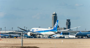 NARITA - JAPAN, AM 25. JANUAR 2017: Landung JA813A Boeing 787 Dreamliner All Nippon Airways in internationalem Narita-Flughafen,  Lizenzfreies Stockbild