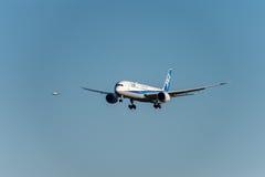 NARITA - JAPAN, 25 JANUARI, 2017: JA880A Boeing 787 die Dreamliner All Nippon Airways in Internationale Narita Luchthaven, Japan  Stock Foto's