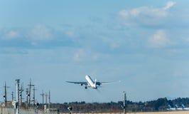 NARITA - LE JAPON, LE 25 JANVIER 2017 : B-6101 Airbus A330 Air China décollent dans l'aéroport international de Narita, Japon Images stock