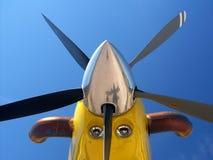 Nariz de aviões amarelo fotografia de stock