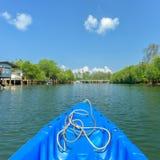 Nariz de la flotación de la canoa Imagenes de archivo