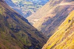 Nariz Del Diablo Through The Andes Mountains immagini stock