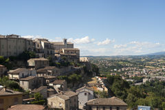 Narni (Italië) - Oude stad en panorama Stock Foto's