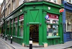 Narożnikowego sklepu Newsagents fotografia royalty free