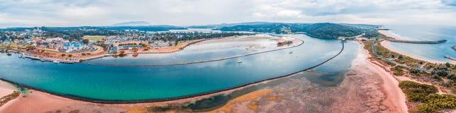 Narooma江边空中全景  NSW,澳洲 免版税图库摄影