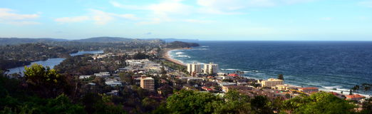 Narrabeen beach from Collaroy Plateau. (Sydney, NSW, Australia Royalty Free Stock Photo