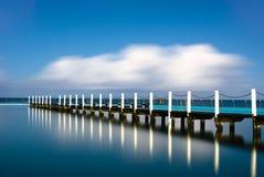 narrabeen den tidvattens- pirpölreflexionen Arkivfoton
