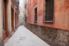 Narrow Alley in Gothic Quarter of Barcelona Royalty Free Stock Photos