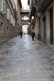 Narrow alley old Gothic Quarter (Barri Gotic) of Royalty Free Stock Photography