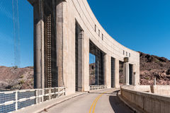 Narrow roadway across Parker Dam on the Colorado River Stock Photos