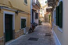 A narrow street of the Greek city of Lefkada Royalty Free Stock Photos