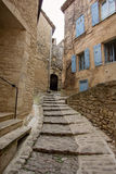 Narrow street in medieval town Gordes, southern France Stock Photography