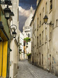 Narrow street near Montmartre, Paris Royalty Free Stock Photos