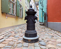 Narrow street in old Riga city, Latvia Royalty Free Stock Photos