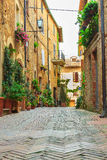 Narrow street in the old town of Pienza Royalty Free Stock Images