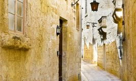 Street with traditional maltese buildings in Mdina Royalty Free Stock Photography