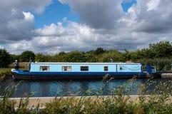 Narrowboat principalmente inoffensivo fotografie stock libere da diritti