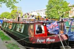 Narrowboats die in Weinig Venetië, Paddington wordt vastgelegd Royalty-vrije Stock Foto