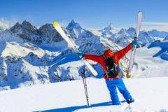 Narta z zadziwiającym widokiem szwajcarskie sławne góry w pięknej wygranie obrazy royalty free
