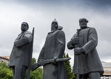 NARVA, ESTLAND - 7. NOVEMBER: Monument von Lenin seine Hand in Narva, Estland am 10. November 2016 ausdehnend Stockbild