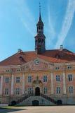 Narva, Estonie - le vieil hôtel de ville Construit dans le style du classicisme néerlandais Images libres de droits