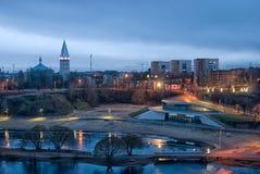 Narva, Estonie Vue de nuit avec Alexander Cathedral images stock