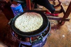 Narządzania chapati w prostym środowisku Fotografia Royalty Free
