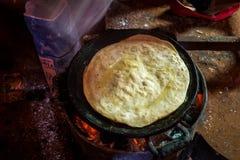 Narządzania chapati w prostym środowisku Zdjęcia Royalty Free