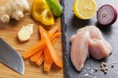 Narządzanie azjatykci karmowi kulinarni składniki kurczak i warzywa Zdjęcia Stock