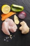 Narządzanie azjatykci karmowi kulinarni składniki kurczak i warzywa Fotografia Stock