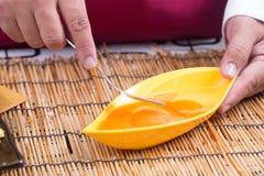 Narządzanie omlet z eeg i rozwidleniami zdjęcia royalty free