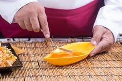 Narządzanie omlet z eeg i rozwidleniami fotografia royalty free