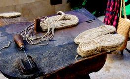 Narzędzia dla robić buta, espadrille podeszwy z trawą i zdjęcia royalty free
