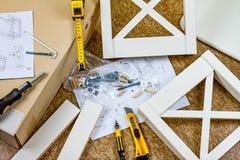 Narzędzia, instrukcje i szczegóły dla zgromadzenie meble, fotografia royalty free
