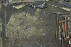 Narzędzia w ramowym kształcie w warsztacie Fotografia Stock