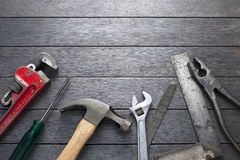 Narzędzia Wytłaczają wzory Drewnianego tło Obrazy Royalty Free