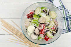 Narządzania jedzenie dla kulinarnego grilla na skewers Obraz Royalty Free