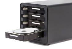 NAS, almacenamiento conectado con la red Varios discos duros Imágenes de archivo libres de regalías