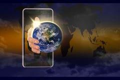 全球性世界在我的手上 NAS装备的此图象Earth.Elements 库存图片
