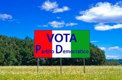 Nas eleições seguintes salvar Itália, paládio de Partito Democratico do voto foto de stock