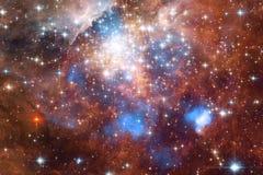 Τρομερός του βαθιού διαστήματος Δισεκατομμύρια των γαλαξιών στον κόσμο στοκ εικόνα
