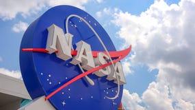 NASA emblemat przy centrum lotów kosmicznych imienia johna f. kennedyego w przylądku Canaveral obraz royalty free