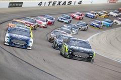 NASCAR 2013:  Στις 3 Νοεμβρίου Αντιαεροπορικού Πυροβολικού Τέξας 500 σειράς φλυτζανιών ορμής Στοκ Εικόνα