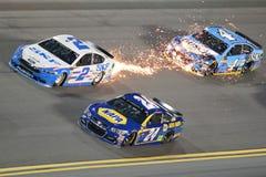 NASCAR :在Daytona的2月17日先遣汽车零件碰撞 免版税库存照片