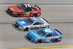 NASCAR :在Daytona的2月19日先遣汽车零件碰撞 免版税图库摄影
