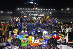 NASCAR :8月19日低音赞成商店NRA夜种族 免版税库存图片