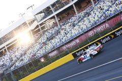 NASCAR :治疗的300 10月09日驱动 库存图片