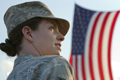 NASCAR: 11. September-Soldat mit amerikanischer Flagge Stockfotografie