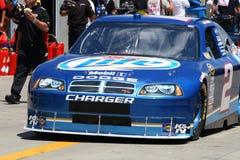 NASCAR - #2 Busch dirige hacia fuera Imagen de archivo
