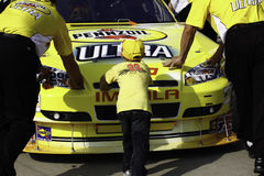 NASCAR 2010 All Star Race - Lending a Hand Royalty Free Stock Image